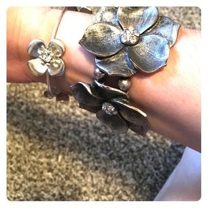 Chunky and slim flower bracelets